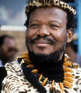 Mangosuthu Buthelezi, chef du parti national zoulou, l'Inkhata, Afrique du sud. Auteur de la déclaration citée dans le cours.
